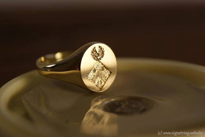 Golden ring signetring gold signet rings