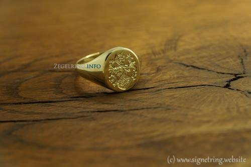 Golden signet ring engraved signetring gold rings