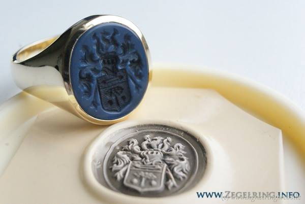 Signet ring stone together