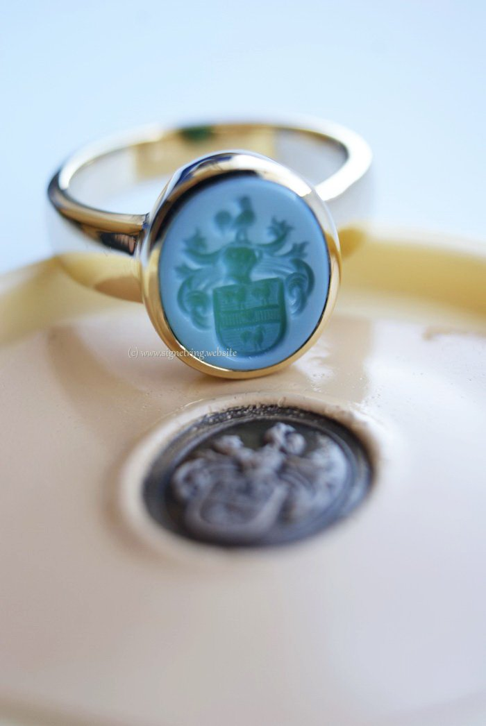 Gold womens signet ring with green layered agate