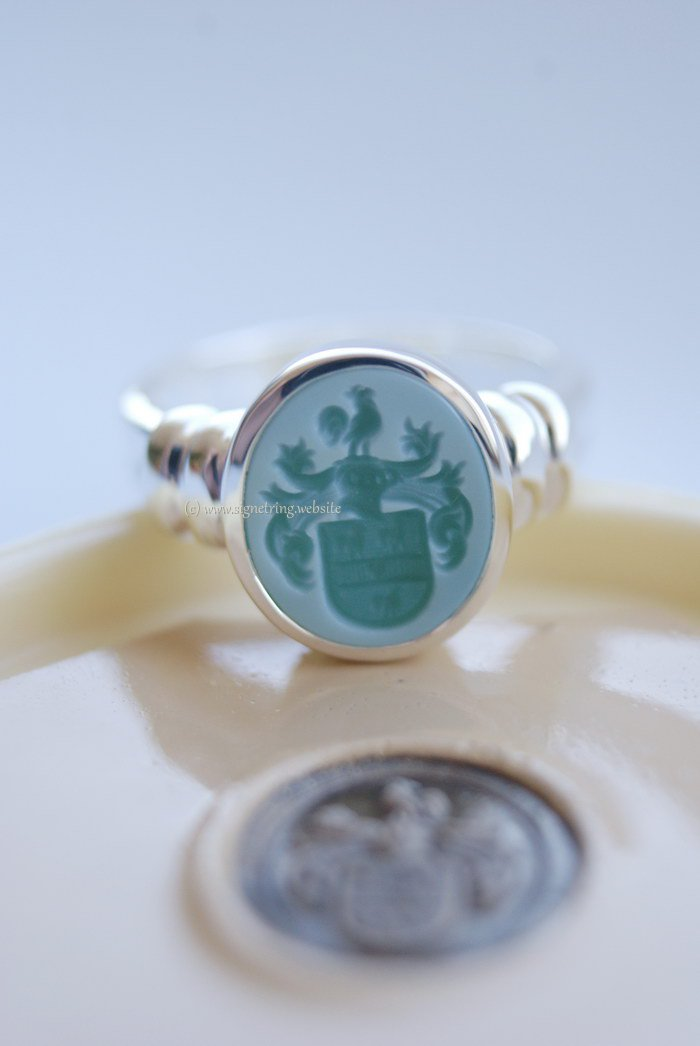 Silver womens signet ring with green layered agate and decorated sides